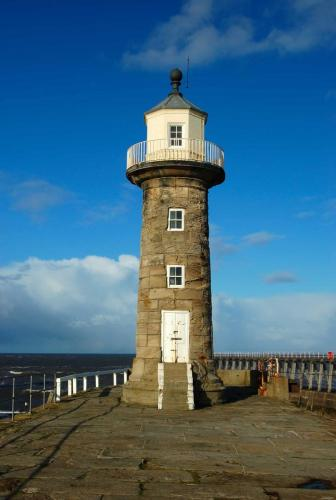 West Pier Lighthouse, Whitby