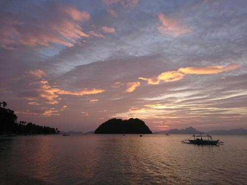 Bacuit Bay Sunset
