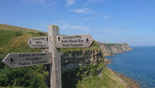 Cleveland Way, Coast to Coast Signpost