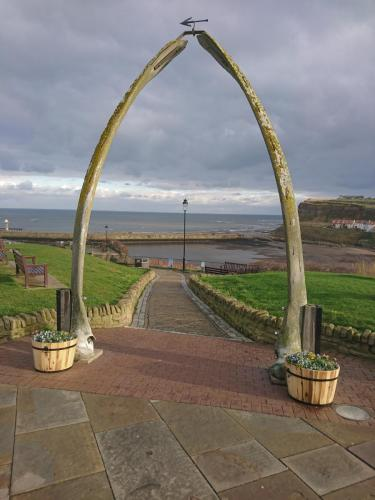 Whale Bone Arch, West Cliff, Whitby.