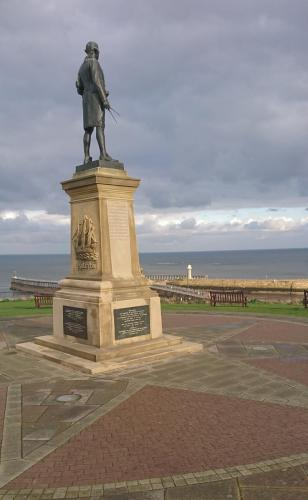Captain Cook Statue - West Cliff.
