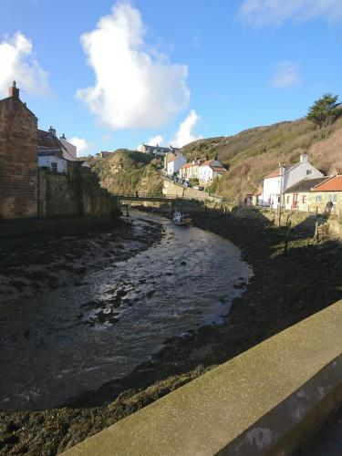 Staithes, North Side