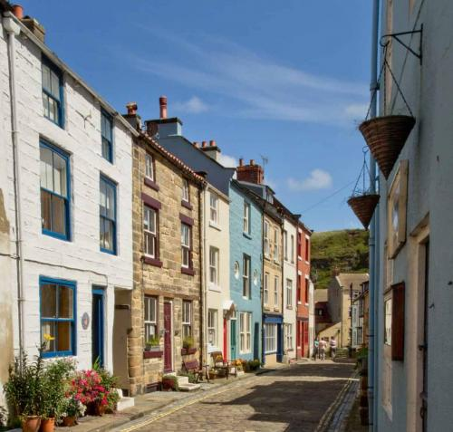 Staithes cobbled street
