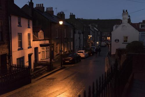 staithes-night time