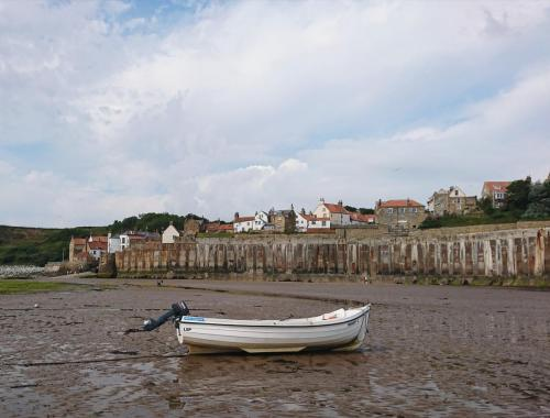Beachfront - Robin Hood's Bay